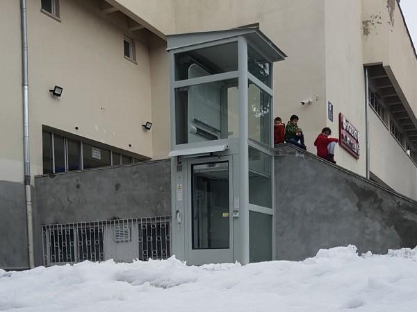 bina dışı engelli asansörü