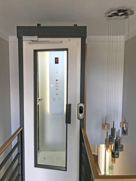 iç mekan ev asansörü