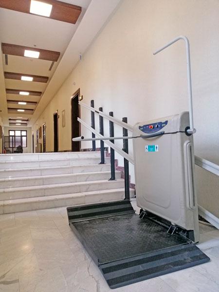 iç mekan katlanabilir merdiven tipi engelli platformları yerli imalat