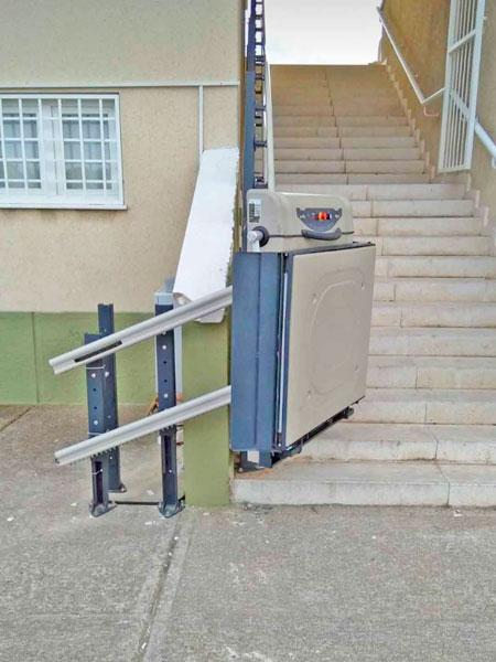 yatay eğimli merdiven platformu