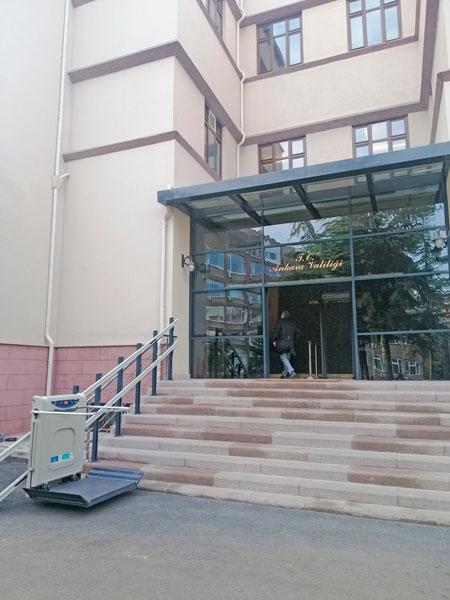 dış cephe tekerlekli sandalye asansörü