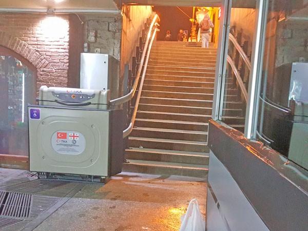 engelli merdiven tekerlekli sandalye asansörü