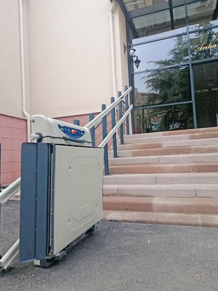 engelli tekerlekli sandalye asansörleri
