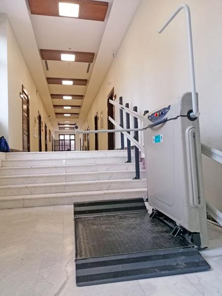 engelli tekerlekli sandalye asansörü