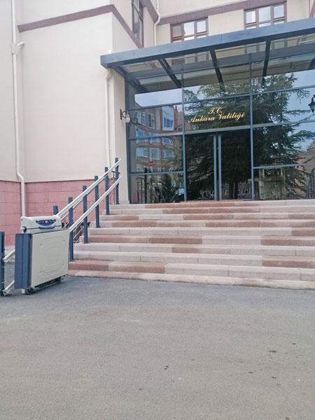 iç mekan tekerlekli sandalye asansörü