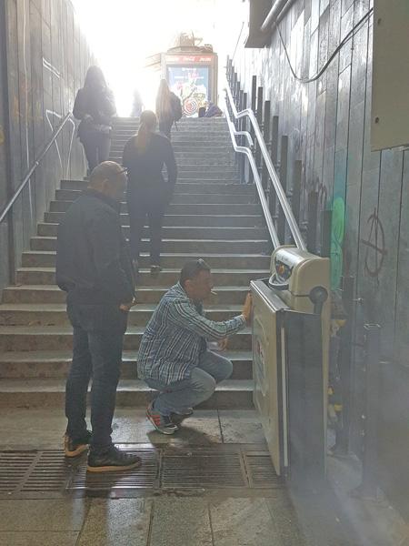 merdiven üzeri engelli asansörü